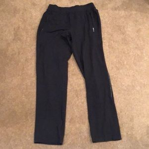 Men's L lululemon pants w front and back pockets